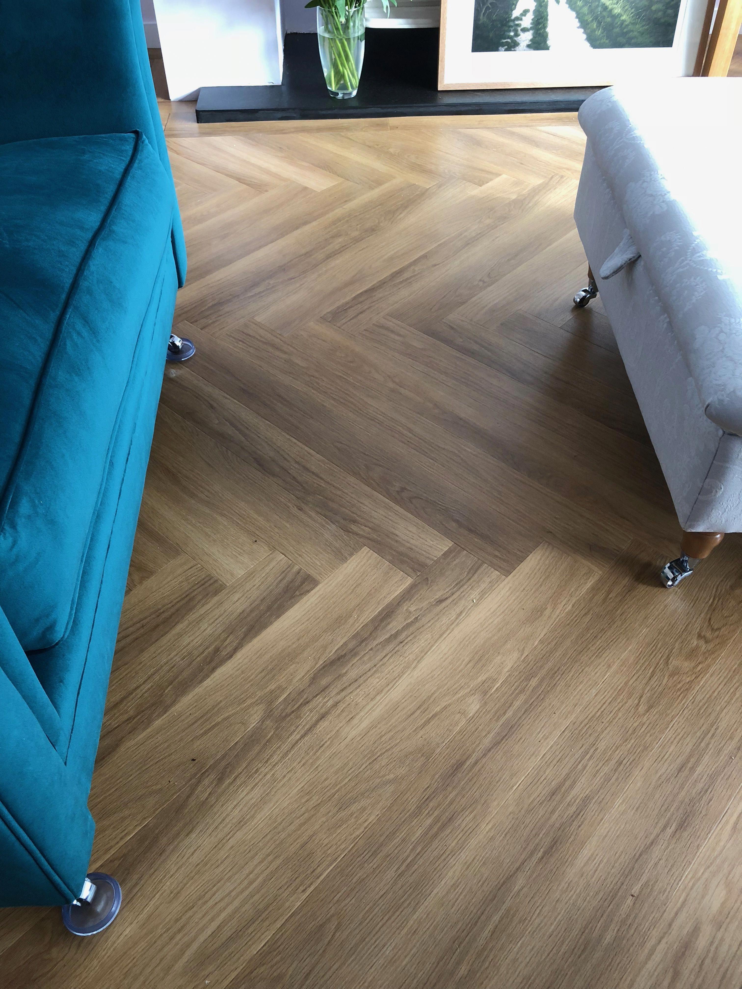 Amtico Spacia Honey Oak Herringbone Plank Hardwoodflooringbest Hardwood Floors Flooring Amtico Flooring