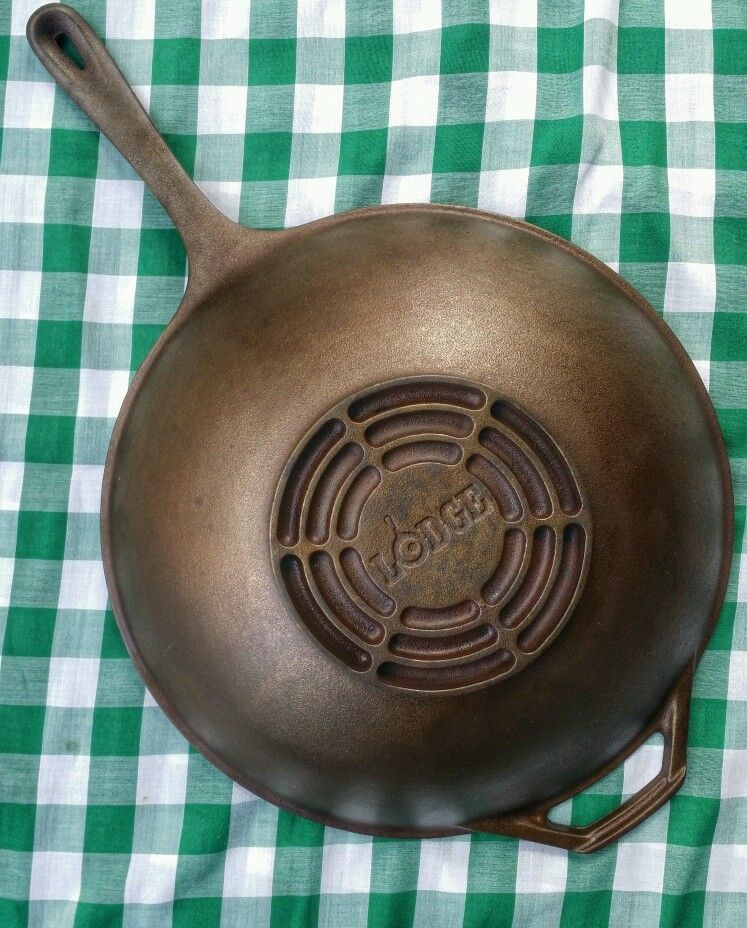 vintage lodge 12 3 4 cast iron wok saute skillet with handle nice skillets vintage and. Black Bedroom Furniture Sets. Home Design Ideas