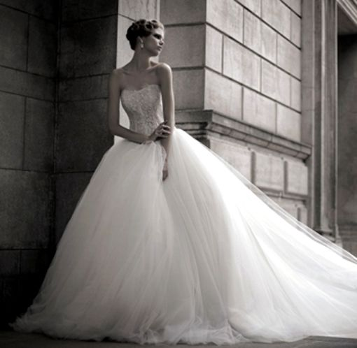 Le Grand wedding dress collection