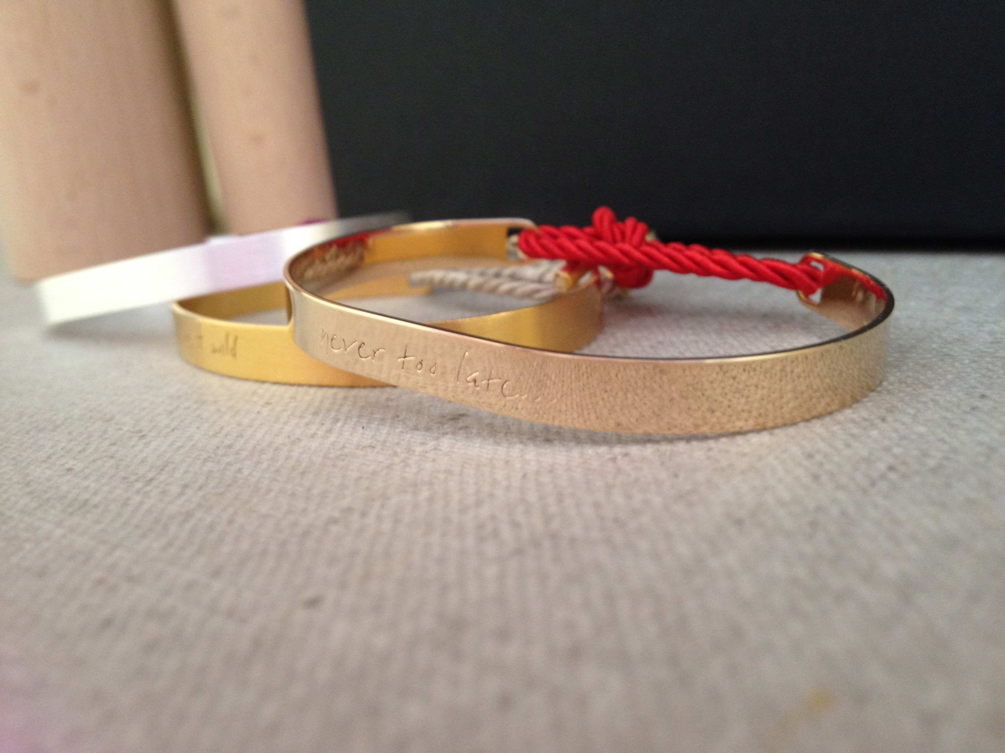 """Silver gold plated 14 cts bangle for Woman (7gs) writing """"never too late... """""""