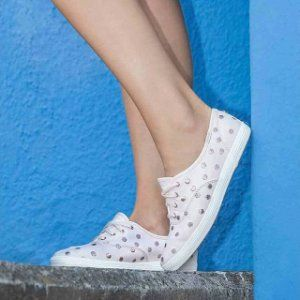 e6a7904619d Shouting out to our favorite day of the week!! Which side are you on 😏 👟  The sport-chic Kickstart Dancing Dots (📷  wtelle) 👟 The elegant-look  Champion ...