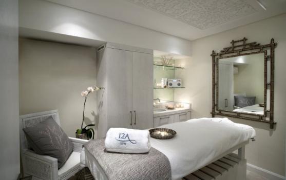 Massage Bed Setup Spa Treatments