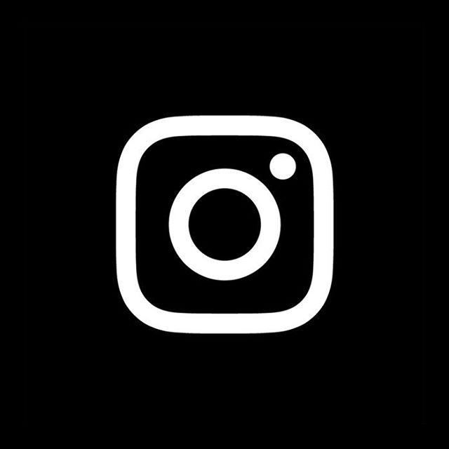 logo instagram sur fond noir