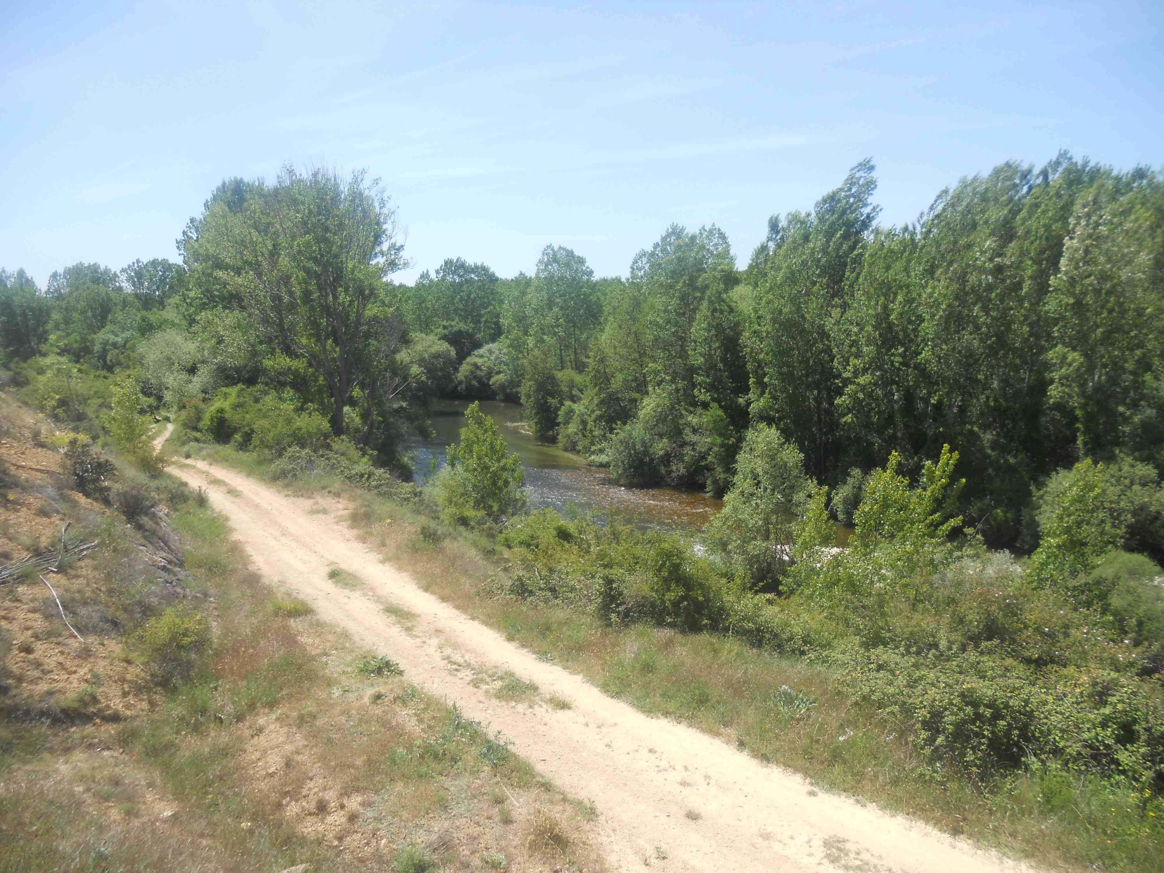 Despues de un buen paseo ya vemos por fin el #río, que ganas!!!