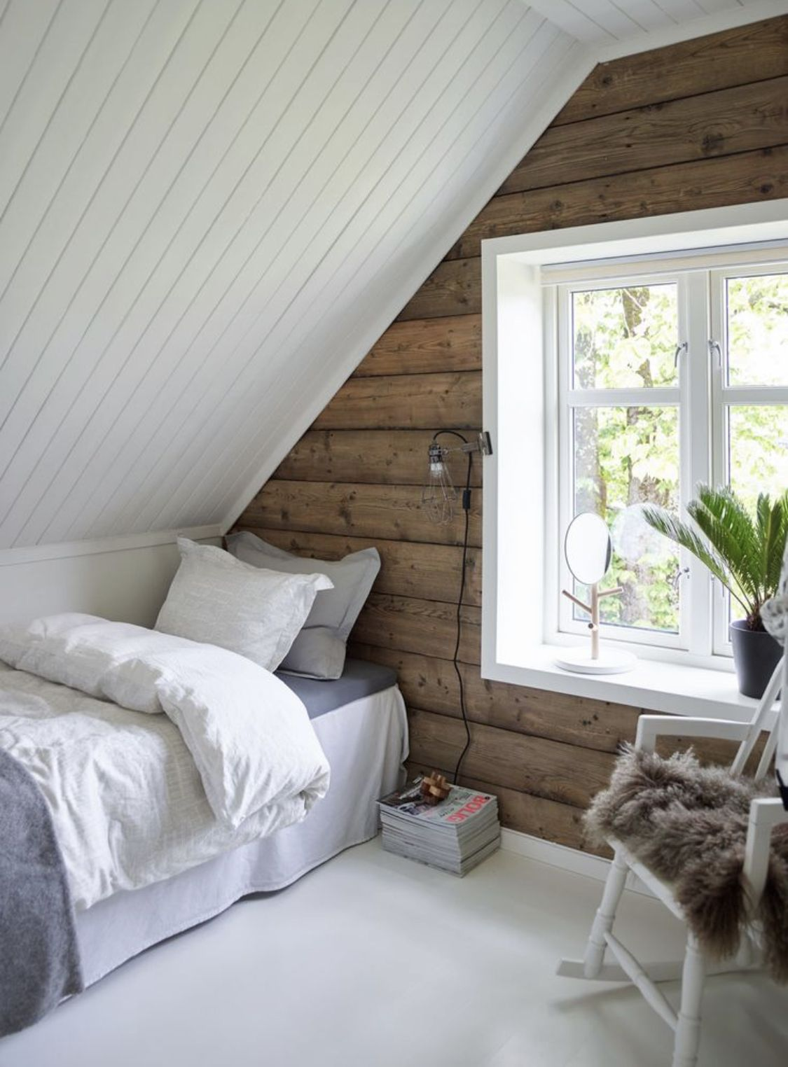 Home Decor / 30 Creative Ways of Turning Your Attic Into