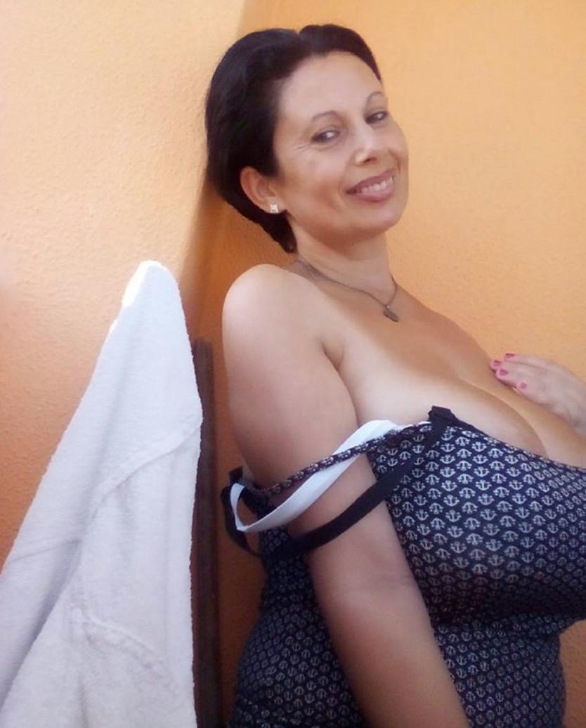 Pornstar Yasmine Vianna