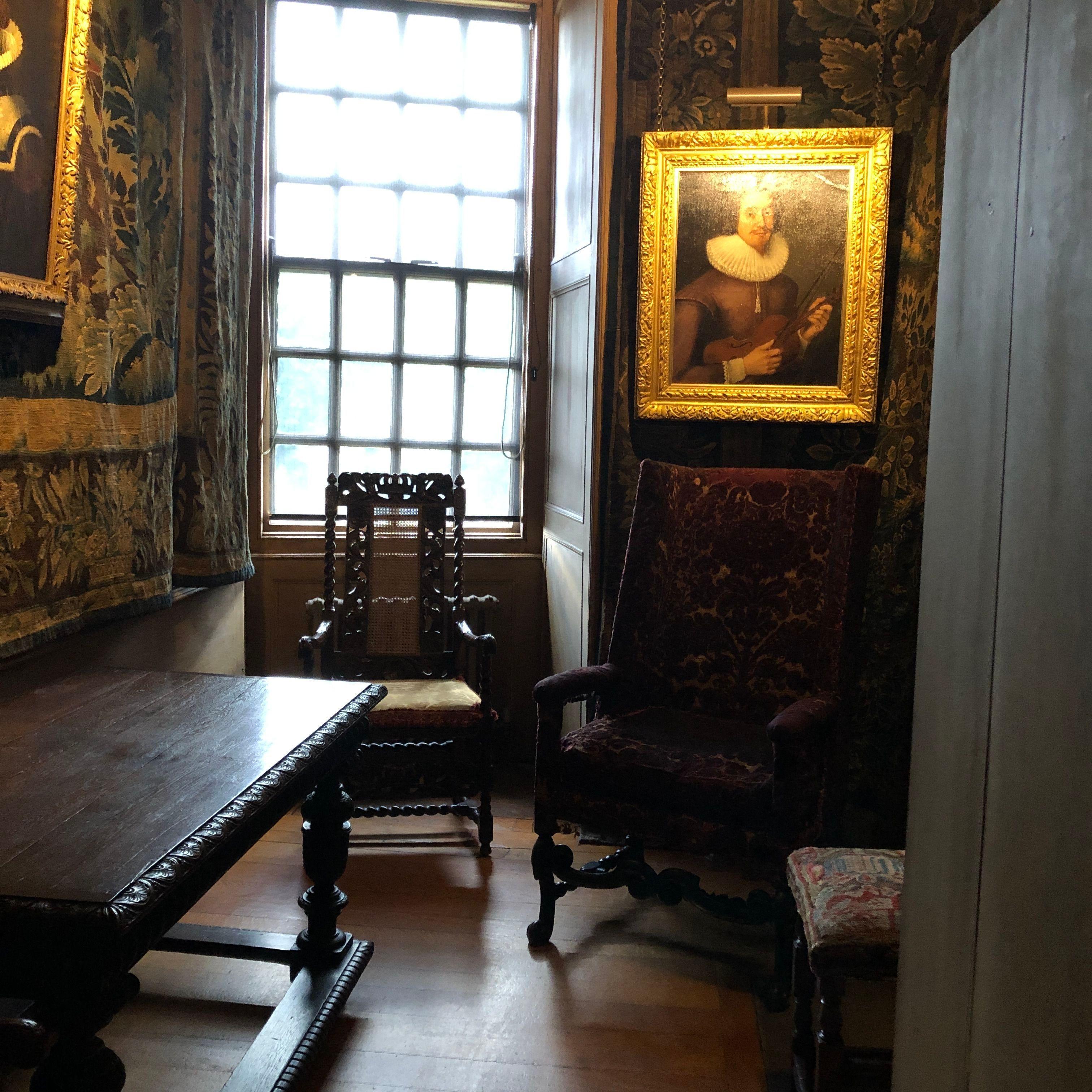 Holyroodhouse Pleasure Palace Of The Stuarts The Tudor Travel Guide Visiting England The Tudor Arthur S Seat