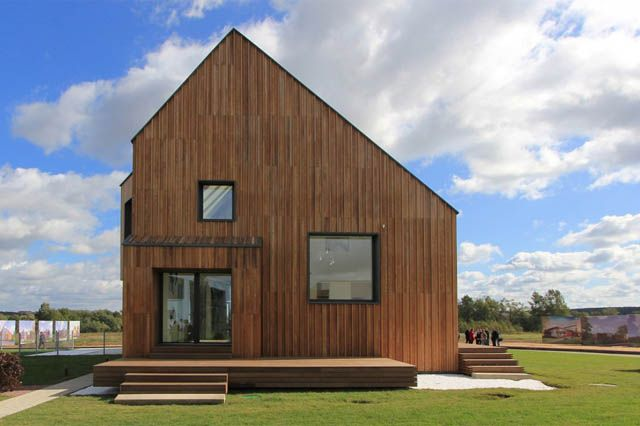 Contemporary Modern Twist to Traditional Wooden House Architecture