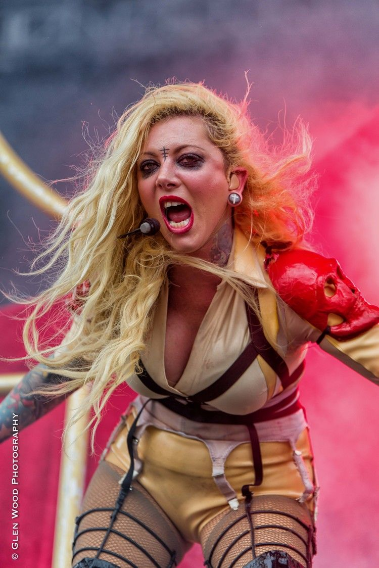 Pin by chelsea on in this moment pinterest musik - Maria brink pics ...
