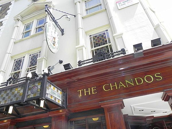 Eating in London with kids at The Chandos Pub - Mother of All Trips