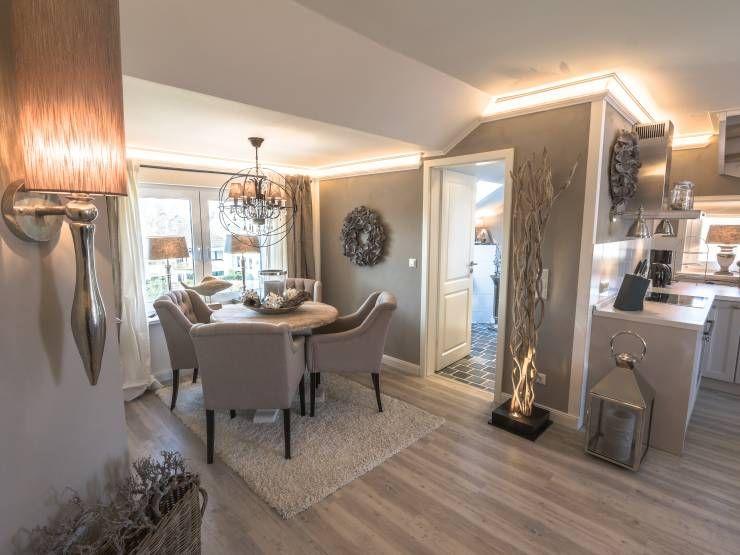 luxuri se wohlf hlwohnung auf zwei ebenen scharbeutz ferienwohnung und landh user. Black Bedroom Furniture Sets. Home Design Ideas