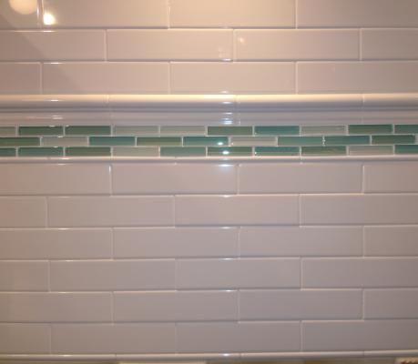2x8 Glossy White Subway Tile 2x8 Chair Rail With 1 4x8