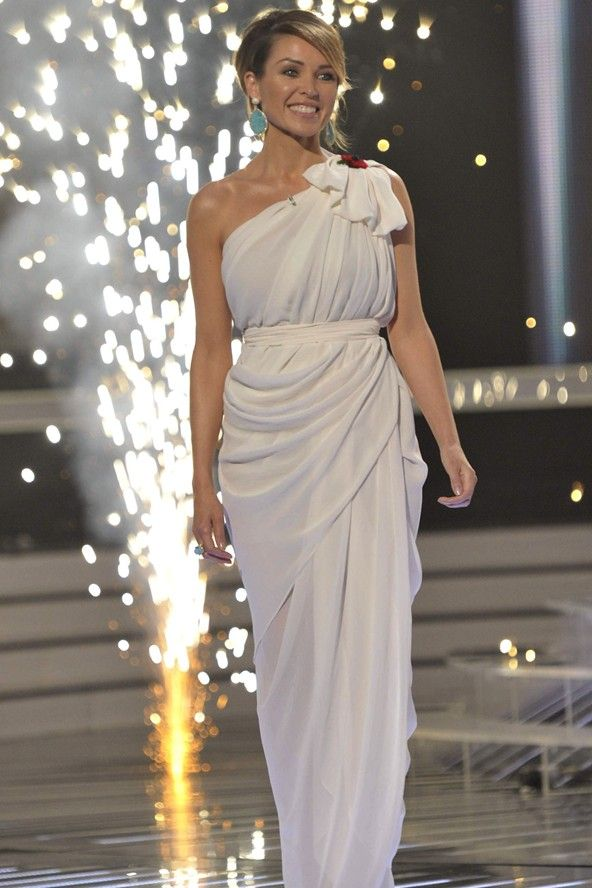 X Factor 2010: Dannii Minogue's white Carla Zampatti Grecian dress ...