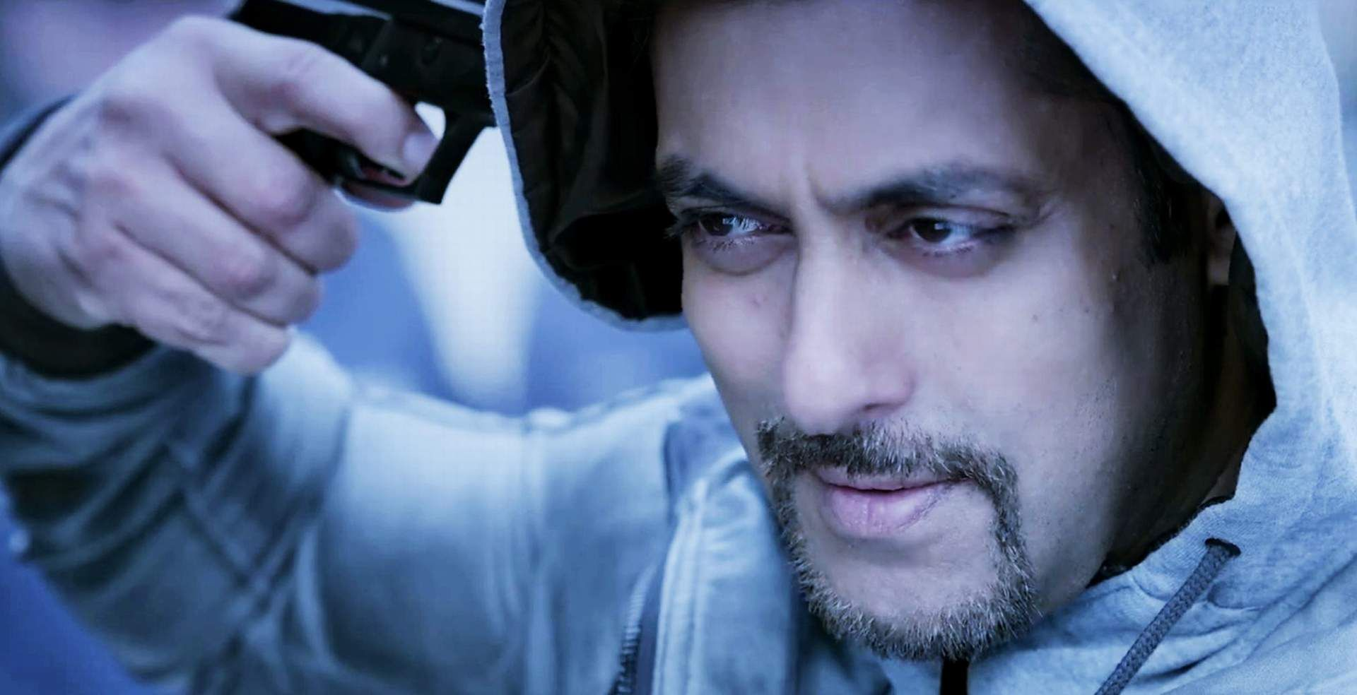 Salman Khan Kick Movie Gun Stills Hd Wallpaper Salman Khan