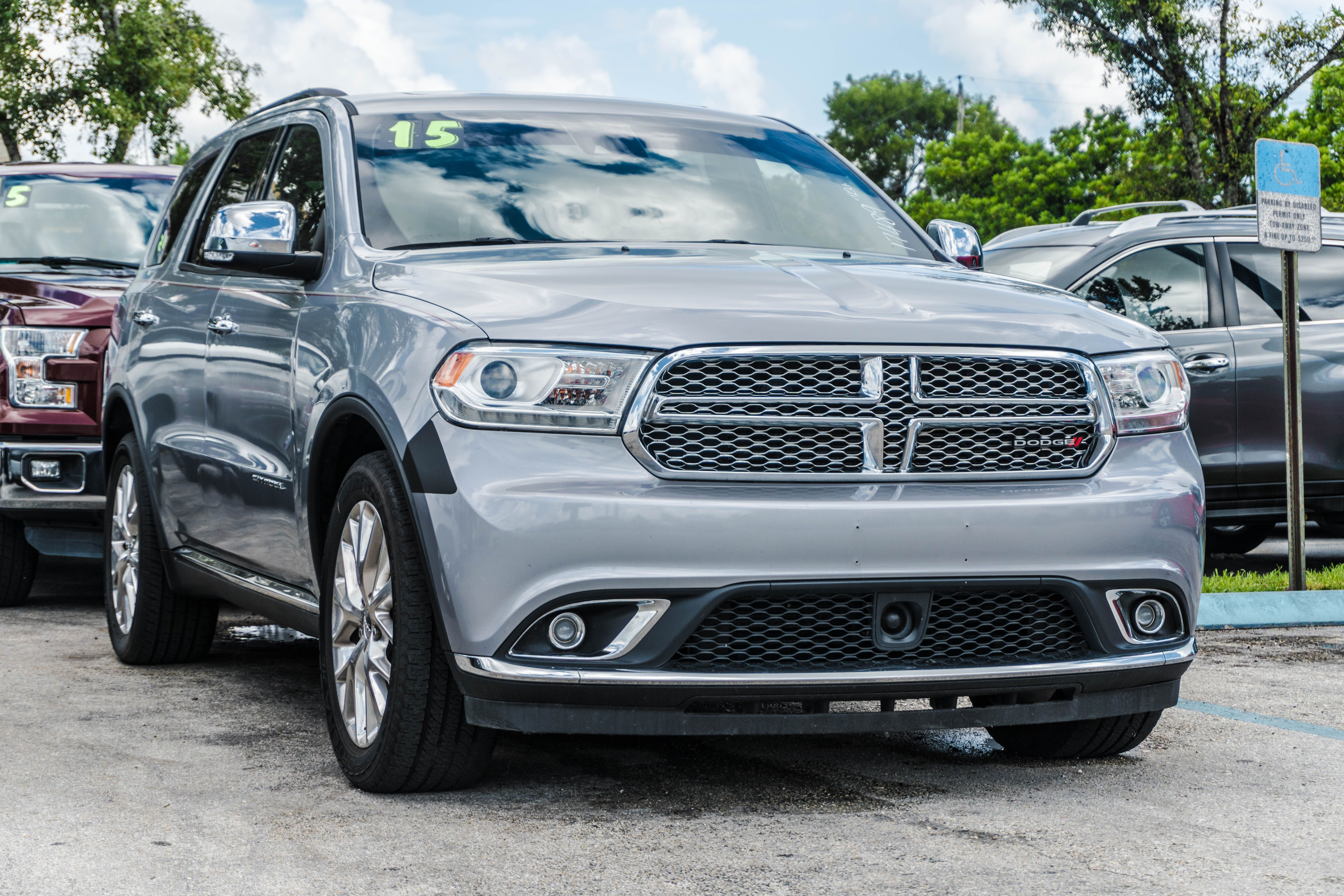 What Do You Think About This 15 Dodge Durango Citadel Or Not Michaelsautosales Dodge Dodgedurango Dodgedurangocitad Dodge Durango Dodge Cars For Sale