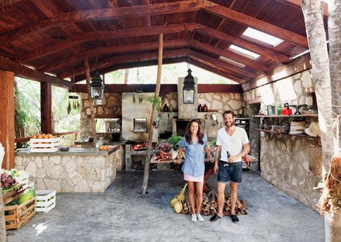 A Tour Of Hartwood Restaurant In Tulum Mexico Spaces