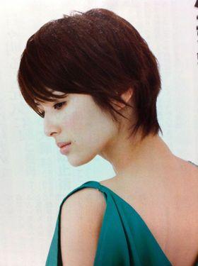 40代ヘアスタイル人気 吉瀬美智子ショートの髪型 切り方オーダー