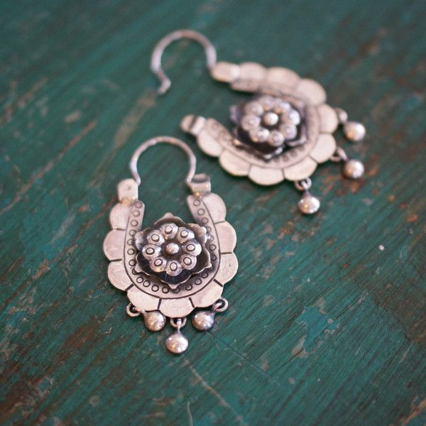 e385a1662 Florita Mexican Silver Arracadas Earrings // Zinnia Folk Arts ...