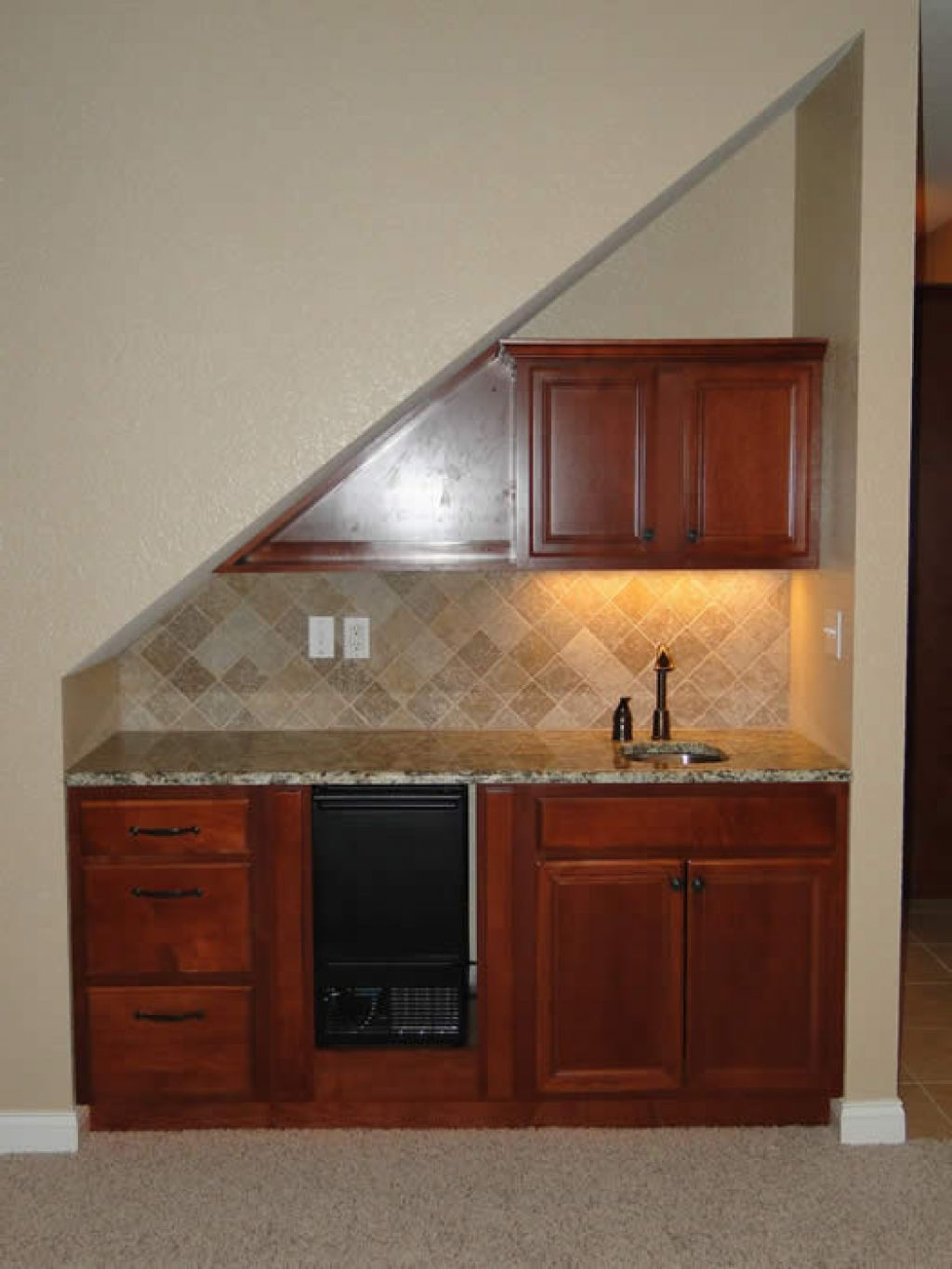 Wet Bar Under Stairs Design Ideas Pictures Remodel and Decor