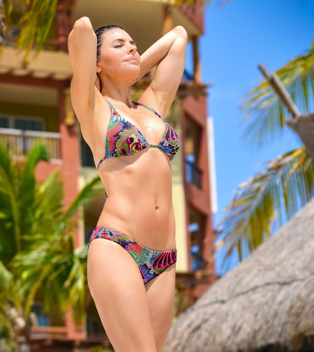 Apologise, but, Lisa rinna bikini ready