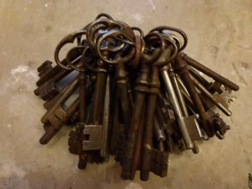 clé ancienne, brocante, rouillée, une fée dans l'atelier