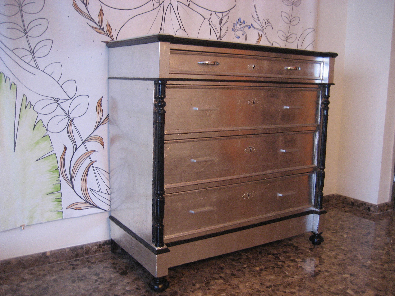 Comoda Recuperada Y Decorada Con Pan De Plata Despu S Se Ha  # Muebles Tuneados
