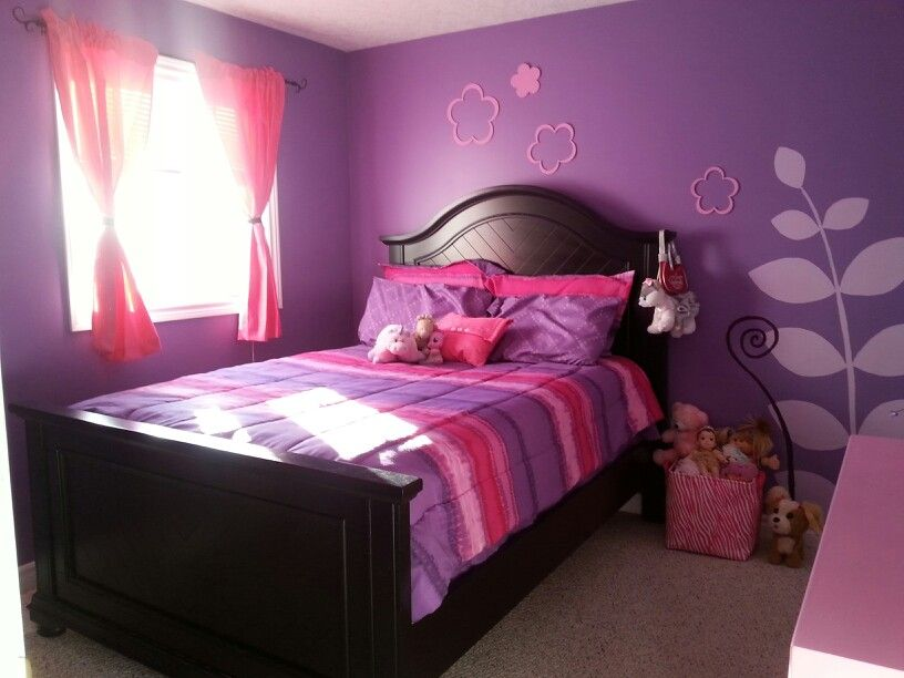 Pink and purple girls room teenage girl bedroom paint for Teenage girl room paint ideas