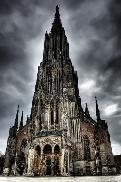 The Ulm Cathedral is a Lutheran church in Germany, the tallest church in the world, with a steeple measuring of 161.53 m. I ♥♥♥ it!