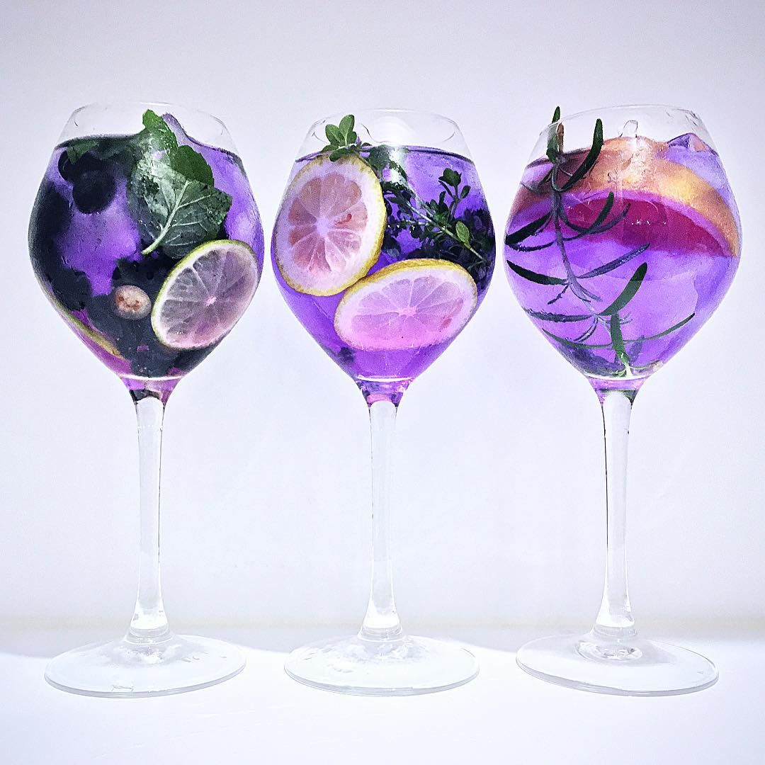 Gin and Butterfly pea flower tea flavoured with herb