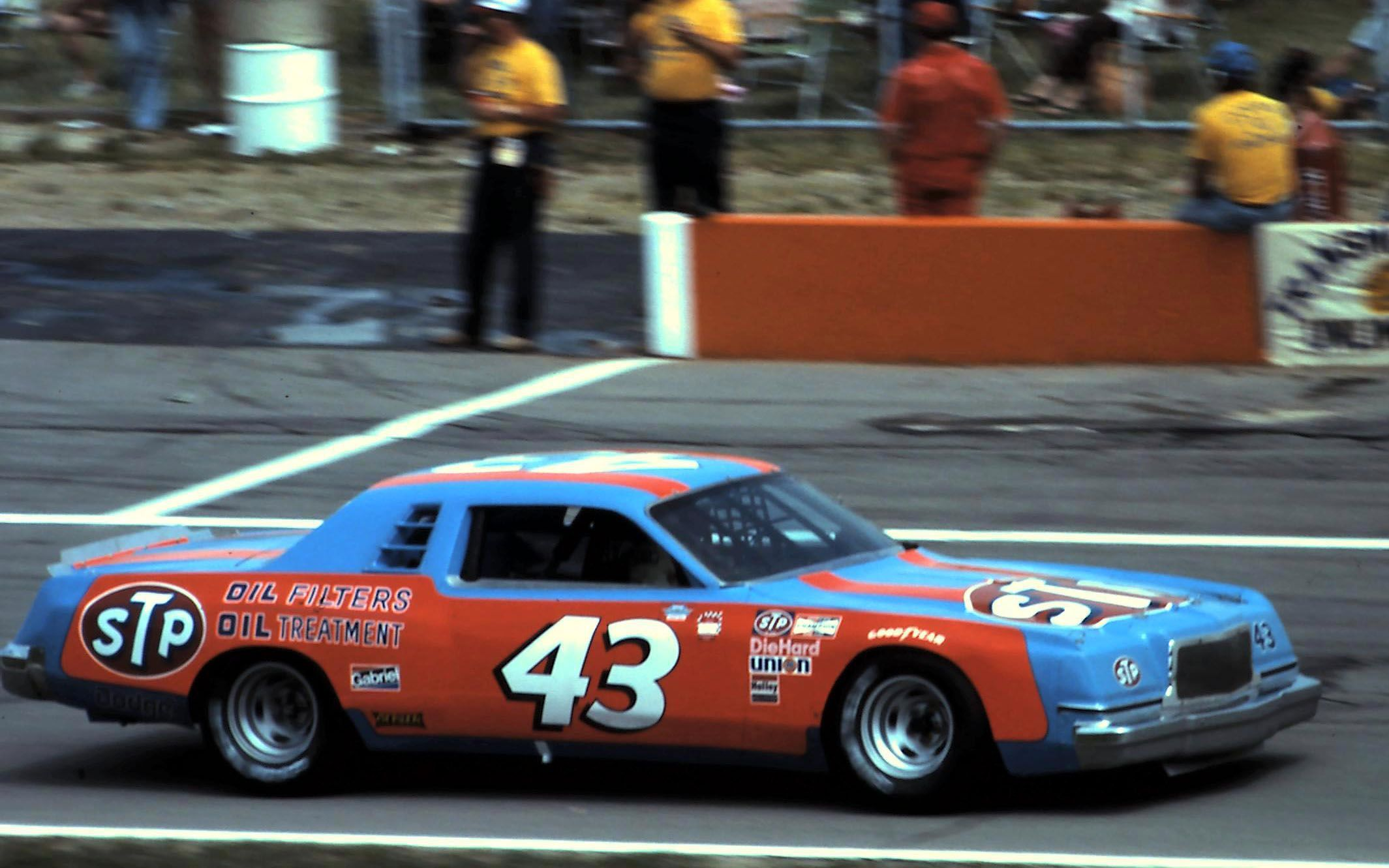 """The King"""" Richard Petty in the 43 1978 Dodge Magnum"""