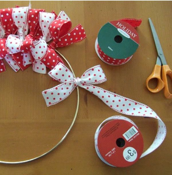 DIY bow wreath  @Samantha Benner