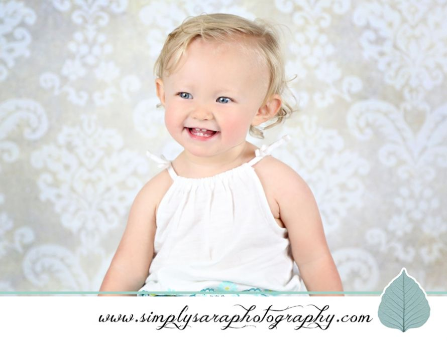 1 Year Old Girl Photo Ideas - Home Studio | 1 year olds indoors ...