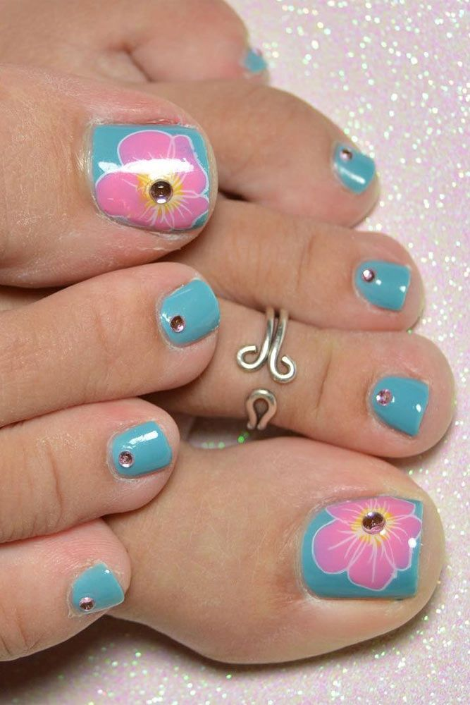 Nail Designs For Truly Fashionable Chicks Who Follow The Trends Toe Nail Designs Toe Nails Toe Nail Art