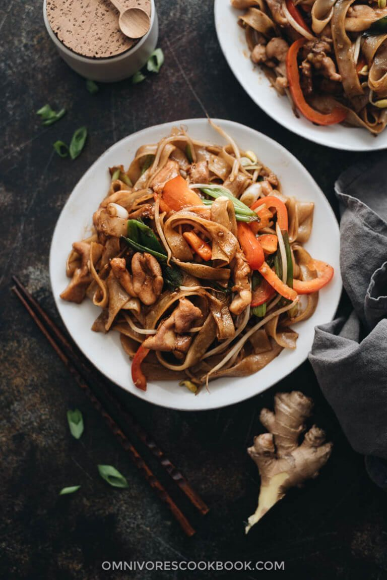 15minute chicken chow fun  this chicken fried noodle