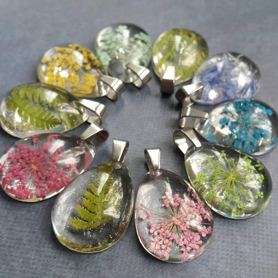 Galeria Bizuterii Z Zywicy Z Wtorkowego Maratonu Rekodzielniczego Royal Stone Blog Bracelet Watch Accessories Bracelets