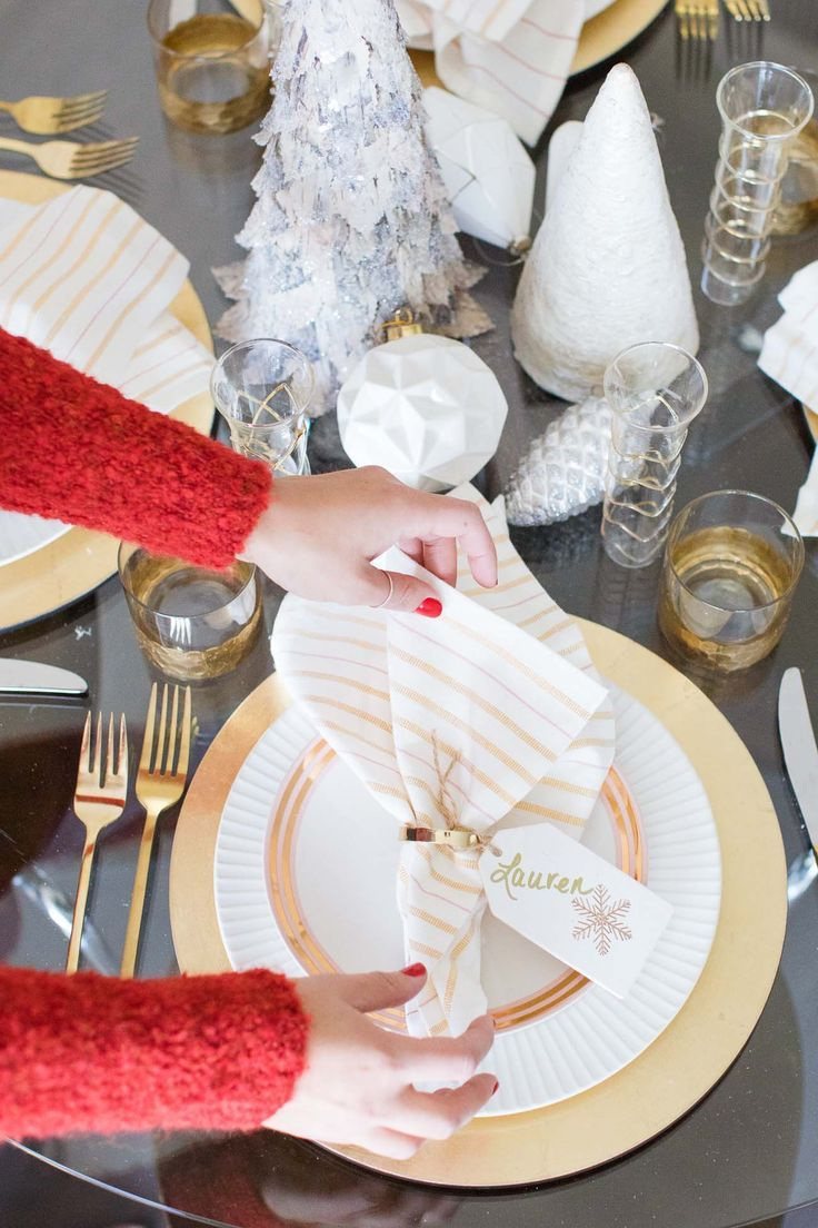 holiday decorating ideas, new years eve tablescape, entertaining for New Years Eve, white and gold tablescape  - My Style Vita /mystylevita/ - /lowes/