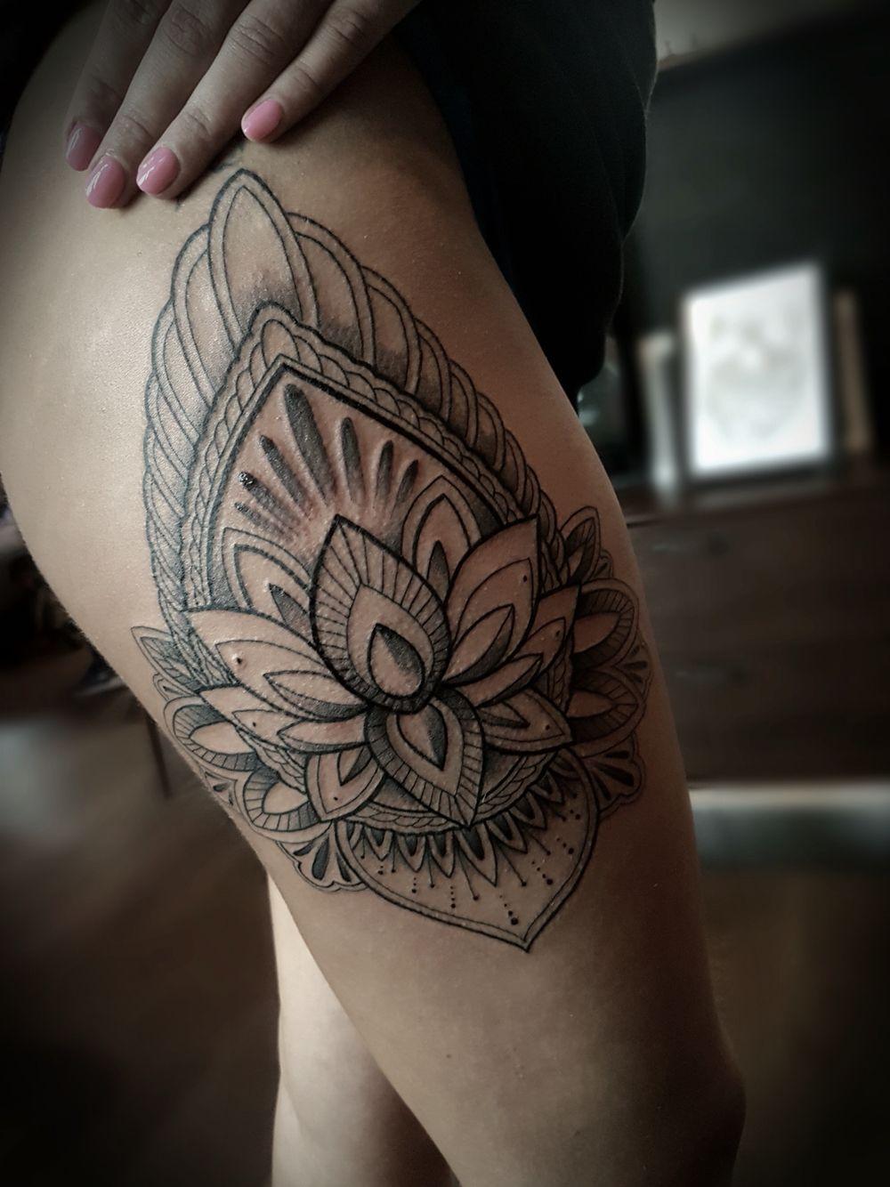 Mandala tattoo on pinterest lotus mandala tattoo lotus mandala - Tattoo Mandala Tattoo On Girls Leg Big Mandala Tattoo Lotus Mandala
