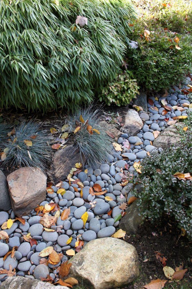 Gartengestaltung Trockenbachlauf Japanisch Bepflanzung Garden Landschaftsbau Mit Steinen Bepflanzung Kleine Garten