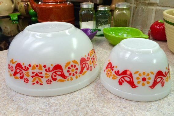 Vintage Farmhouse Pyrex Friendship Mixing Bowls 403 401 Chicken Red ...