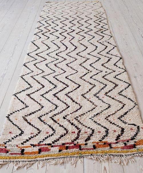 Un tapis berbère tout en longueur, parfait pour un couloir | Tapis ...