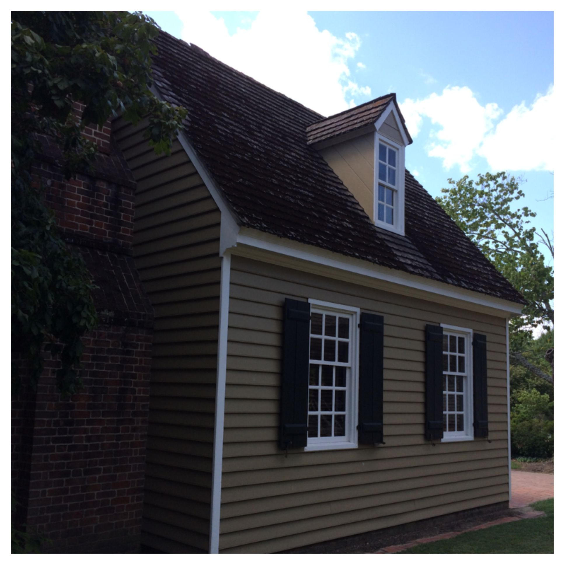 Mansion Grove Apartments: Historic Lodging: Colonial Houses. The Robert Carter