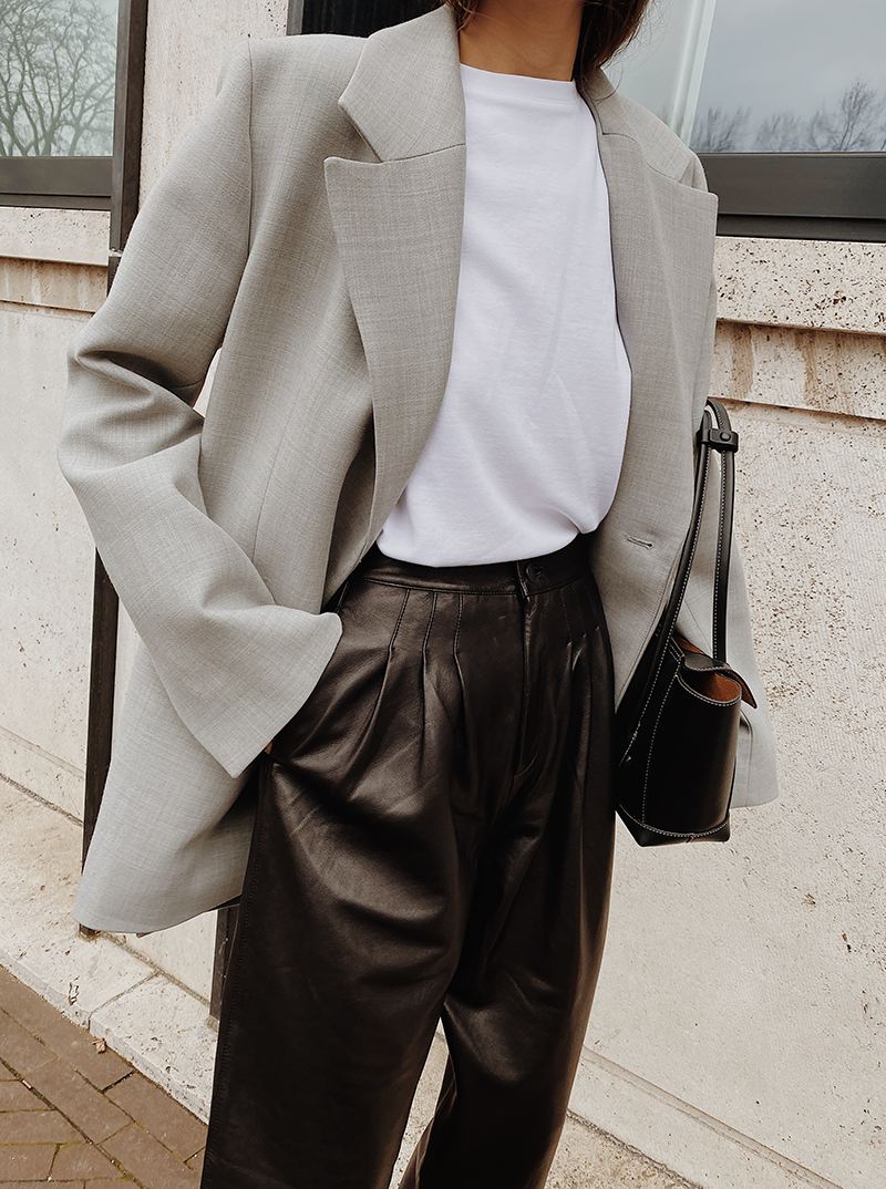 Leather Pleated Pants — MODEDAMOUR