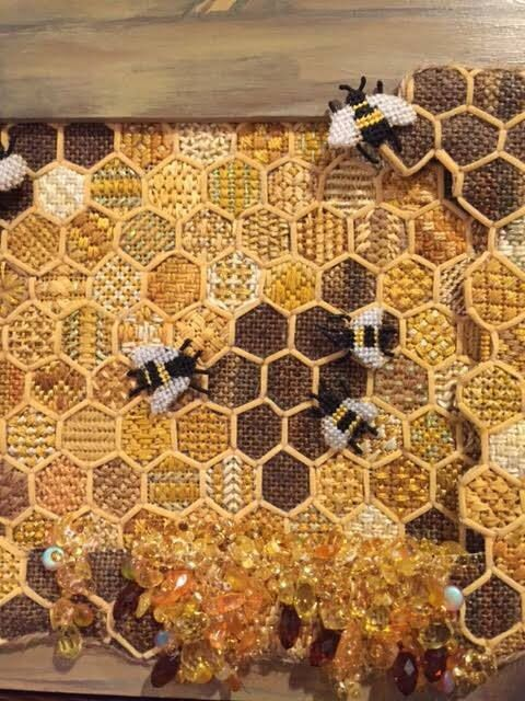 Cool Honey Bees Needlepoint Crochet Bee Bee Crafts Bee Art