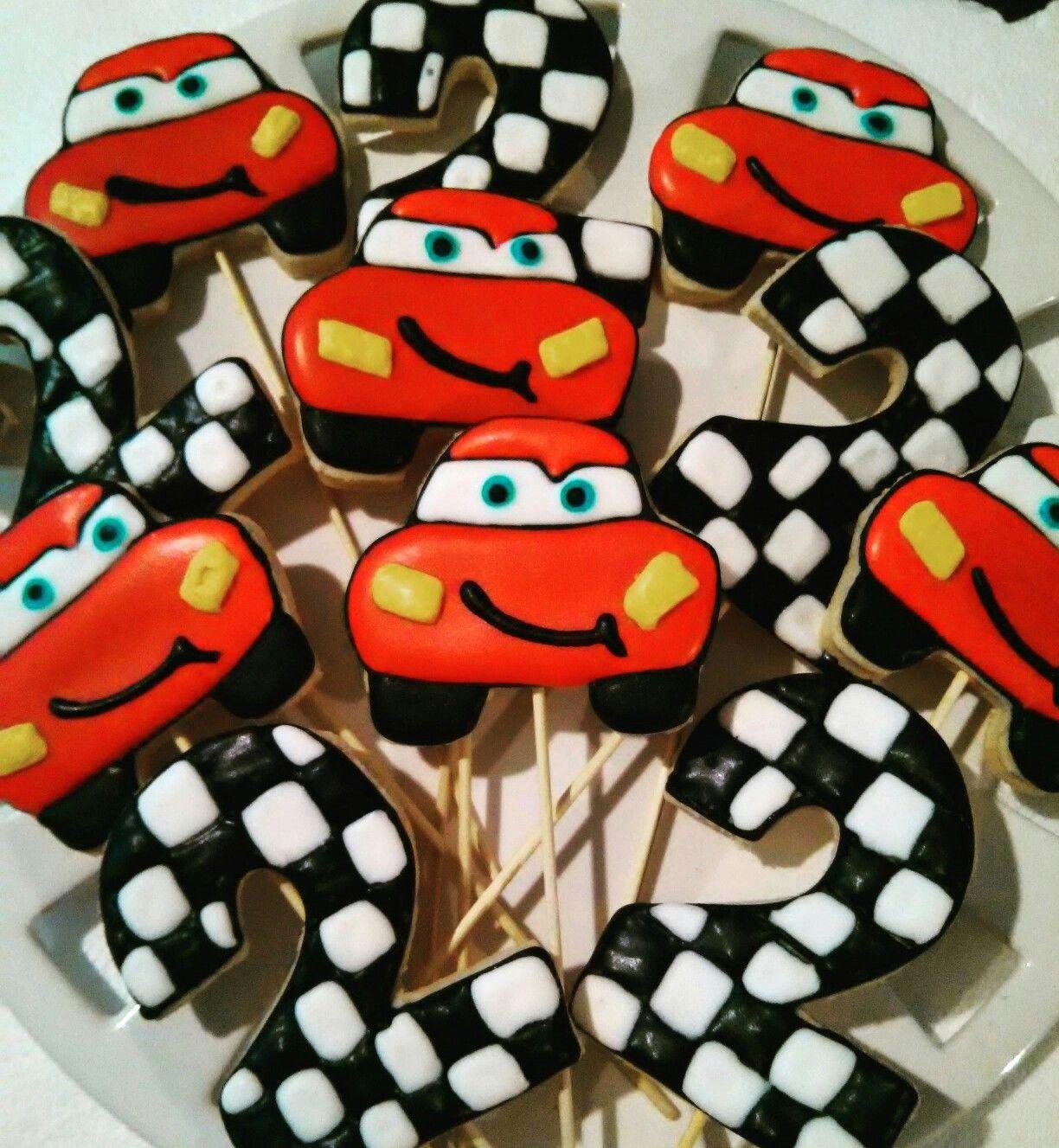 Galletas Decoradas Con Temática De Cars ..#rayomcqueen