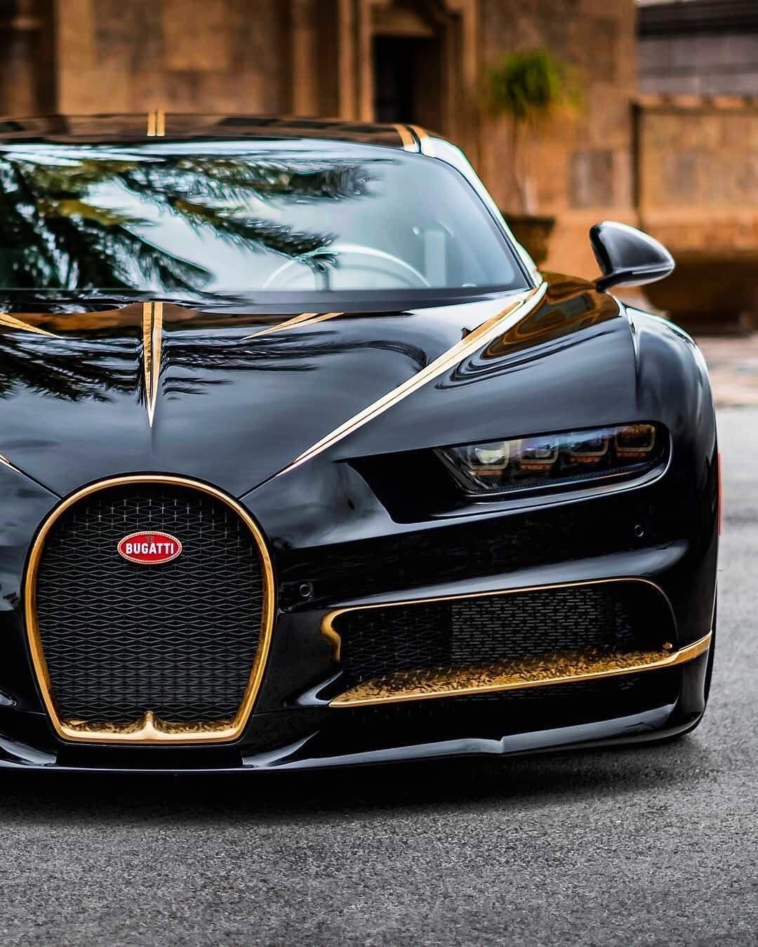 The Following Fastest Cars In The World Is Bugatti Chiron Named For A Legendary Centaur In Greek Folklo Sports Car Photos Bugatti Cars Sports Cars Lamborghini