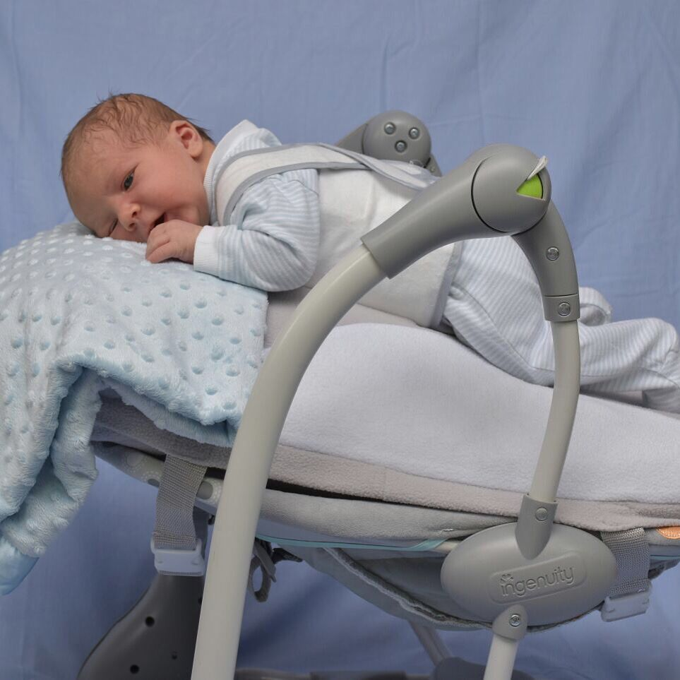 Baby bed heartbeat - No More Colic Or Reflux For This Little One The Gentle Vibration And Heartbeat Of The