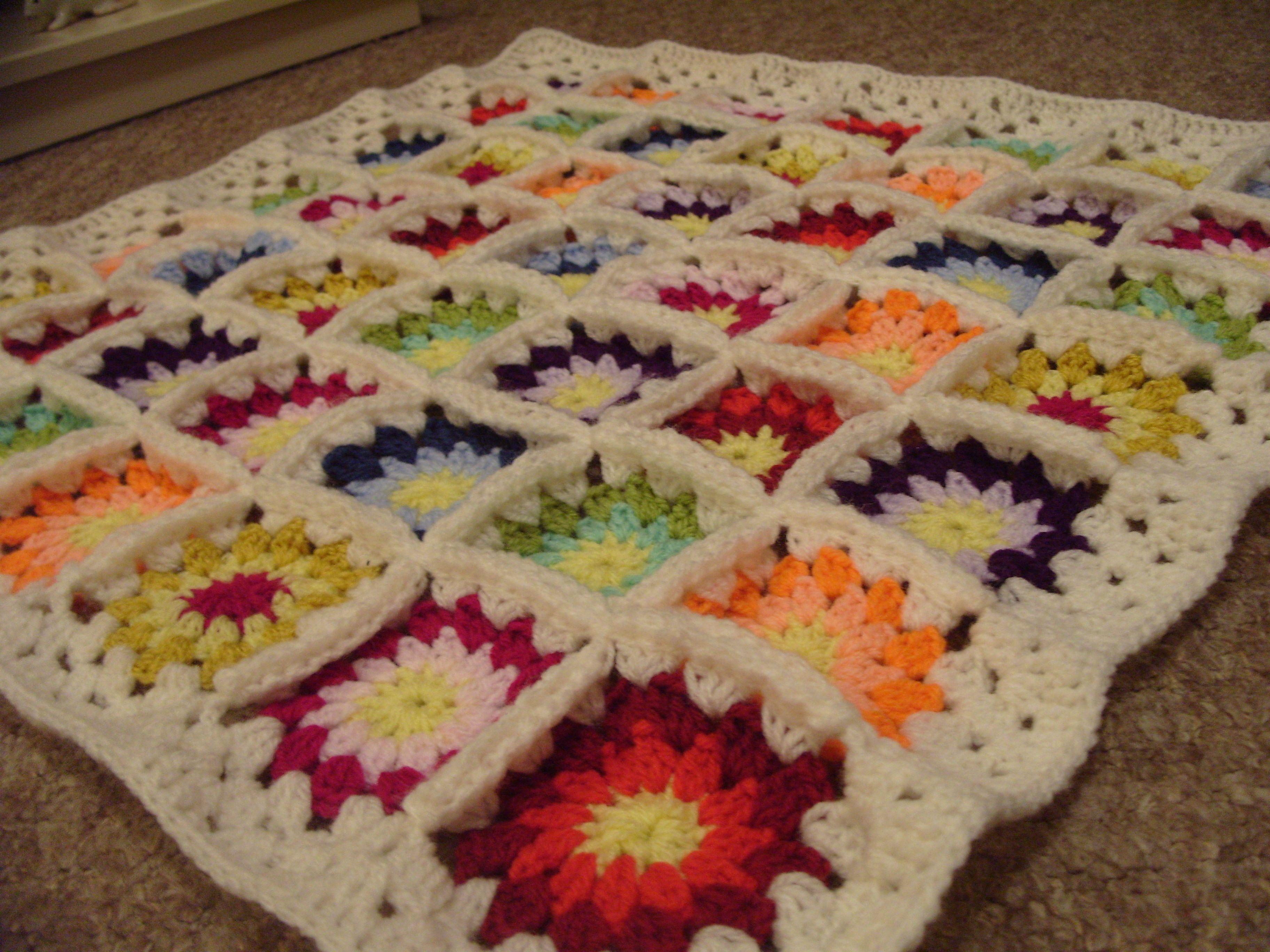 Spring crochet granny square/circle blanket | Crochet | Pinterest ...