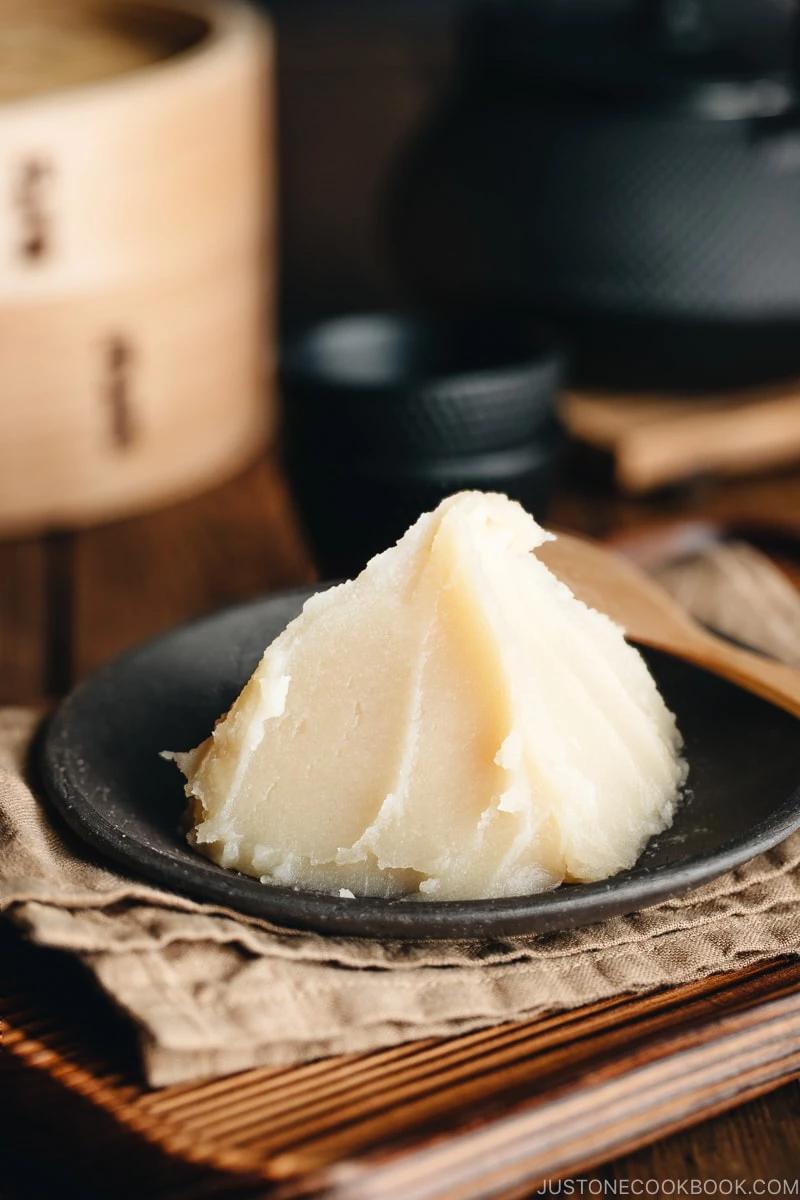 Make White Bean Paste (Shiroan 白餡) for Wagashi (Japanese confectionery) #wagashi #japanesesweets | Easy Japanese Recipes at JustOneCookbook.com