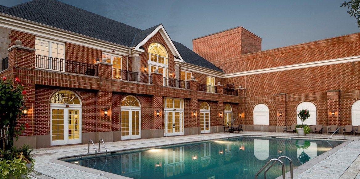 Renovated Apartments in National Landing Arlington VA