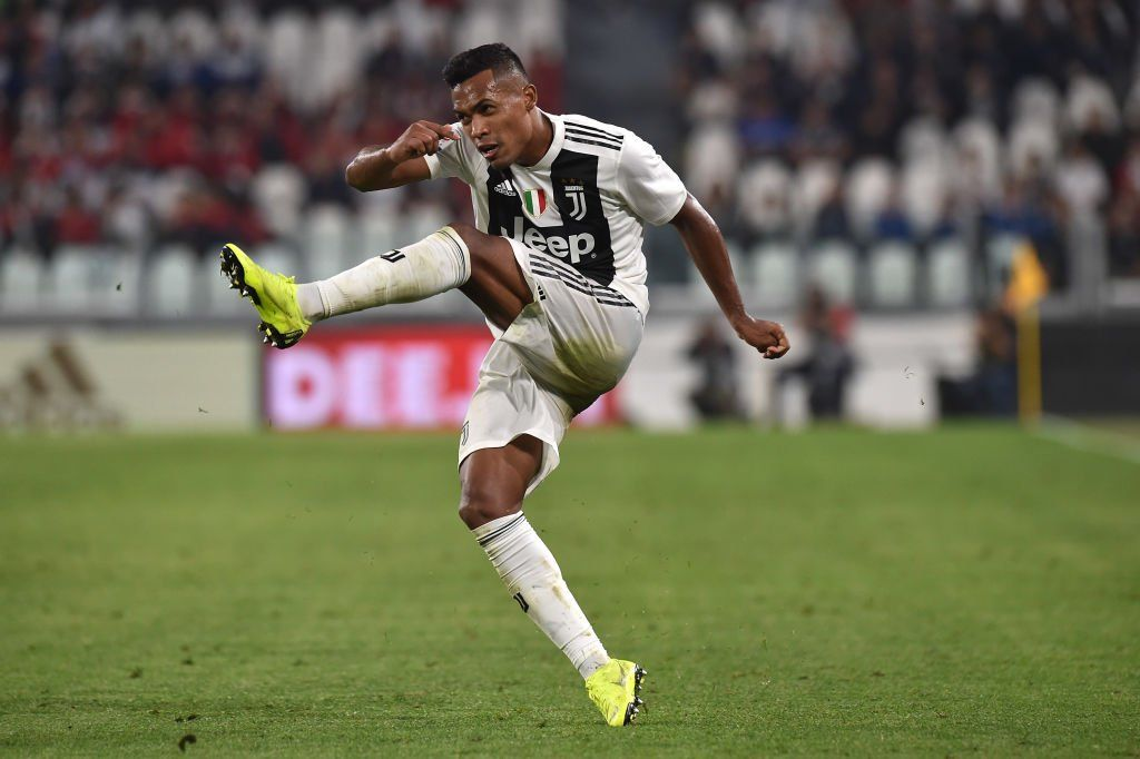 Man United Chelsea Miss Out As Alex Sandro Agrees New Juventus New Juventus Man United Manchester United